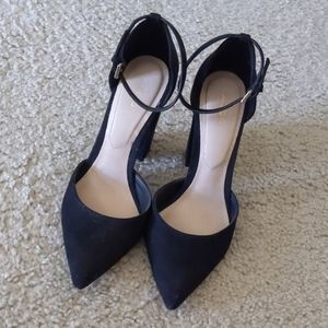 Pointed toe Aldo heels